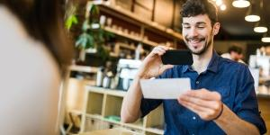 4 Considerations When Choosing Small Business Payroll Services
