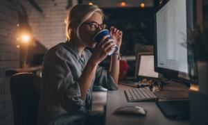 women drinking coffee trying to find a good work life balance