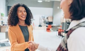 how franchise owners can recruit top employees