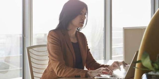 Tarjetas de documento técnico para el plan de negocios