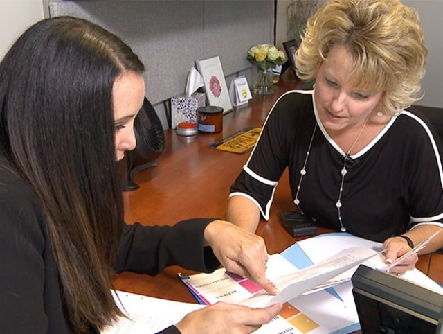 Paychex HR Expert helping a client